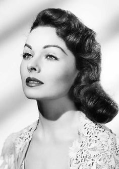 CLASSIC HOLLYWOOD GLAM — Jeanne Crain