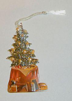 HIGH QUALITY AMERICAN EMBOSSED VICTORIAN CHRISTMAS TREE SCRAP DIE CUT BOOKMARK