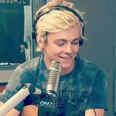 Imagine me ross our daughter and the rest of R5 where doing an interview. Me and my daughter where behind the camera watching. Then our daughter walked up to Ross. This is Ross's face when he sees his daughter next to him.