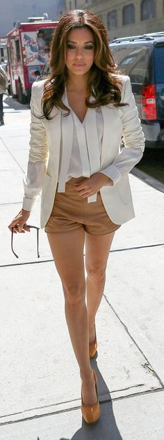 eva longoria.... Good look but could I please get some clothes that are long enough.... Not made for short lil people like her!!!! Itz so frustrating sometimes!!!!