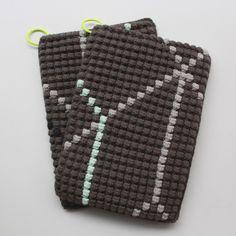Lutter Idyll: Recipe for crocheted potholders with bobbelmønster / Crochet potholders Pattern Crochet Kitchen, Crochet Home, Knit Or Crochet, Learn To Crochet, Free Crochet, Crochet Potholder Patterns, Crochet Dishcloths, Bobble Stitch, Weaving Textiles