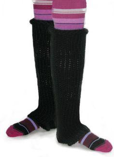Free Knitting Pattern BK4K-0702002 Knifty Knitter Ribbed Ballet Leggings : Lion Brand Yarn Company