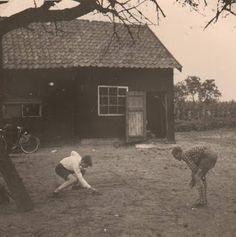 Landpikkertje, met een mesje zoveel mogelijk land proberen te veroveren