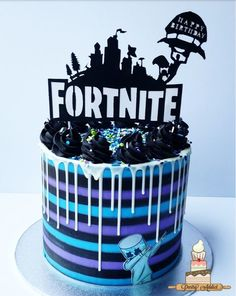 I made this cake for my son's birthday party and he LOVED IT!He really likes fortnite! 10th Birthday Parties, 8th Birthday, 10th Birthday Cakes For Boys, Frozen Birthday, Birthday Ideas, Drip Cakes, Birthday Drip Cake, Cakes Today, Dream Cake