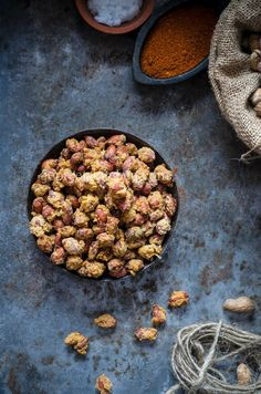 Masala Peanuts / Vaerkadalai, a crunchy evening snacks which is very addictive. Enjoy this masala peanuts with a cup of chai or coffee. Masala Peanuts.....