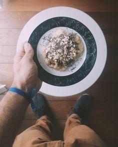 Dia 2/70 #ProjetoDVS  Café da manhã com banana amassada aveia e chia. Ontem consegui completar os quatro itens do projeto começando bem