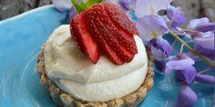 Coconut-strawberry-cheesecake