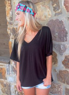 "PIKO ""V-Neck"" Top {Black} – 2 Loops"