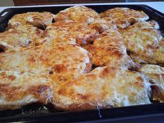 egyik-nagy-kedvencunk-paprikas-lisztbe-forgatott-sajtos-tejfolos-csirkemell-gyors-es-egyszeru Meat Recipes, Cauliflower, Healthy Life, Macaroni And Cheese, Food And Drink, Pizza, Chicken, Vegetables, Cooking