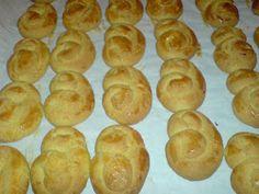 ΜΑΓΕΙΡΙΚΗ ΚΑΙ ΣΥΝΤΑΓΕΣ: Κουλουράκια με πορτοκάλι και μαστίχα !! Greek Cookies, Greek Sweets, Pretzel Bites, Cookie Recipes, Bread, Cooking, Food Food, Food Cakes, Recipes For Biscuits