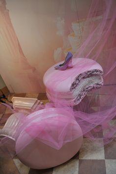 delicious and sweet #macaron for #lesilla showroom www.lesilla.com