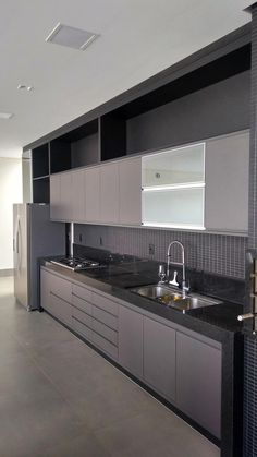 Modular Kitchen area' a term used for the contemporary kitchen design, which consists of variety of closets to hold different points in different areas. Kitchen Room Design, Luxury Kitchen Design, Contemporary Kitchen Design, Kitchen Cabinet Design, Home Decor Kitchen, Interior Design Kitchen, Kitchen Cabinet Remodel, Modern Kitchen Cabinets, Kitchen Island