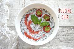 Super prosty pudding chia z truskawkami Mozzarella, Pudding Chia, Decorative Plates, Fit Meals, Diet