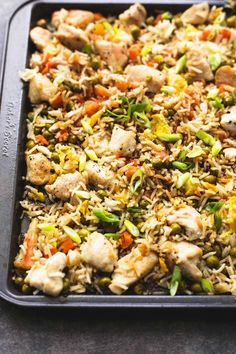 Sheet Pan Chicken Fried Rice - Comfort Food Dinners To Make Every Night Of November Weeknight Meals, Quick Meals, Simple Meals, Healthy Dinner Recipes, Cooking Recipes, Slow Cooker Broccoli, Saveur, Asian Recipes, Weekly Recipes