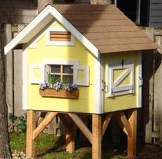 And why wouldn't your chickens want a flower box? haha Small Chicken Coop Designs & Pictures of Chicken Coops - BackYard Chickens Community Pictures Of Chicken Coops, Small Chicken Coops, Best Chicken Coop, Backyard Chicken Coops, Chicken Coup, Chicken Coop Blueprints, Diy Chicken Coop Plans, Portable Chicken Coop, Building A Chicken Coop