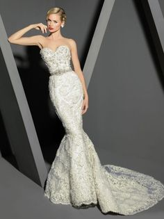Timeless Wedding Gowns By Victor Harper Couture - http://www.homedecorlife.com/timeless-wedding-gowns-by-victor-harper-couture.html
