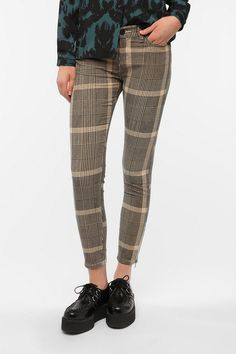 BDG Twig Mid-Rise Ankle-Zip Corduroy Pant  #UrbanOutfitters