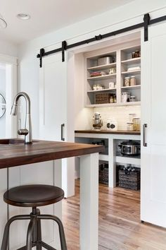 If you are looking for ideas to design the farmhouse kitchen of your dreams, check out these photos and get inspired for a drool-worthy space. Borrow from these modern farmhouse kitchen decor ideas to create your ultimate dream kitchen. Farmhouse Kitchen Cabinets, Farmhouse Style Kitchen, Modern Farmhouse Kitchens, Home Decor Kitchen, New Kitchen, Room Kitchen, Kitchen Ideas, Pantry Ideas, Kitchen Inspiration