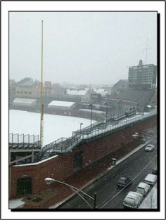 Wrigley Field On A Snowy Day  https://www.fanprint.com/licenses/chicago-bears?ref=5750