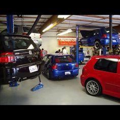 VW Golf R32 garage
