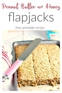 A Honey and Peanut Butter Flapjack recipe. Perfect for breakfasts on the go. Peanut Butter Flapjacks, Healthy Peanut Butter, Healthy Baking, Peanut Butter Biscuits, Peanut Butter Chicken, Peanut Butter Breakfast, Tray Bake Recipes, Bread Maker Recipes, Yule