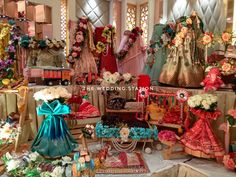 Station deals in- *Wedding planning and event planning *Decorators and Caterers *Best in class. Bridal Gift Wrapping Ideas, Wedding Gift Boxes, Wedding Gifts, Wedding Ideas, Wedding Hall Decorations, Marriage Decoration, Handmade Decorations, Chocolate Flowers Bouquet, Trousseau Packing