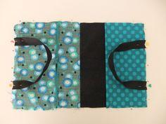 tuto protège cahier à transformer en mini-cartable avec la couverture en tricot