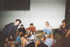 im grunde sind wir 8 am strand :) - Fotoideen - Party Cute Friends, Best Friends, Foto Mirror, Photo Polaroid, Ft Tumblr, Belly Dancing Classes, Teenage Dirtbag, Gal Pal, Travel Photos