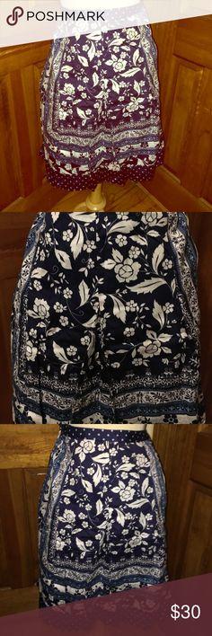 Loft cotton skirt in excellent condition Gorgeous skirt LOFT Skirts