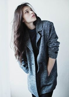 oversized jacket with masculine lines.