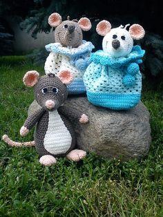 Knitting Patterns Animals Crochet Patterns - Sack Rats, Crochet Pattern, pdf - a unique product by Mala-Designs at . Crochet Mouse, Crochet Bear, Crochet Books, Crochet Woman, Love Crochet, Crochet Gifts, Baby Knitting Patterns, Amigurumi Patterns, Crochet Patterns