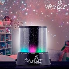 Give your kids a starry sky thanks to the Playz Kidz LED lamp-star projector! This children lamp will fascinate any kid every night with a ceiling and walls full of stars. In addition, you will find all the months written in English around it. Lamp Light, Light Up, Multi Colored Christmas Lights, All The Months, Led Fluorescent, Star Lamp, Decoration Originale, Party Lights, Led Lamp