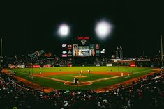 Capturing action sports in low light requires planning ahead and getting your camera settings right. Discover how to take better sports photos in low light. Baseball Gifts, Baseball Players, Baseball Field, Football, Baseball Tickets, Giants Baseball, Baseball Coaches, Giants Stadium, Parents