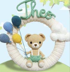 Crochet Bear, Crochet Home, Baby Decor, Kids Decor, Crochet Wreath, Crochet Flower Tutorial, Baby Mobile, Best Baby Shower Gifts, Frame Crafts