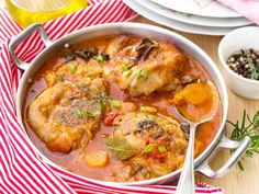 Turkey Ossobuco Osso Bucco In Tomato Gravy With Mushrooms Stock Photo - Image: 80408149 Meat Recipes, Crockpot Recipes, Healthy Recipes, Weigh Watchers, Kitchen Recipes, Meal Prep, Main Dishes, Good Food, Easy Meals