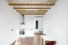 Ideas de #Decoracion de #Comedor, #Cocina, estilo #Mediterraneo diseñado por Yaiza Terré Arquitecto con #Barras de cocina #Lamparas  #CajonDeIdeas