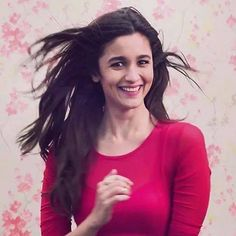 is the funny side of her. Indian Bollywood Actress, Bollywood Actors, Bollywood Celebrities, Indian Actresses, Bollywood Girls, Indian Celebrities, Beautiful Celebrities, Beautiful Actresses, Alia Bhatt Varun Dhawan