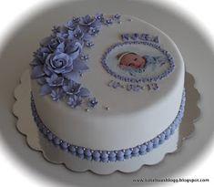Kakebua's blogg: Dåp Butterfly Birthday Cakes, Baby Birthday Cakes, Baby Cakes, Girl Cakes, Fondant Baby, Fondant Cupcakes, Baby Shower Cake Designs, Christening Cake Girls, Torta Baby Shower