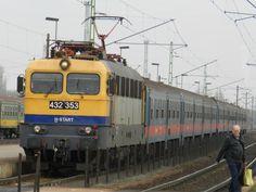 "A 432 353 ""Papagáj"" egy Vác - Budapest személyvonattal 2014.12.10.-én. Rail Train, Bonde, Locomotive, Budapest, Around The Worlds, Vehicles, Modern, Railings, Europe"