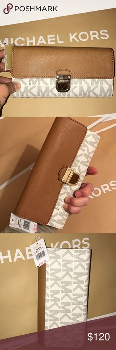 🍥mk wallet🍥full size Authentic brand new with tag vanilla /acorn leather color. Gold hard wear. Has pocket in back. Many compartments fit any your choice. Michael Kors Bags Wallets