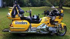 Love the bike (helmet looks Cool too)! Pitsburgh Steelers, Here We Go Steelers, Steelers Stuff, Steelers Helmet, Pittsburgh Steelers Merchandise, Pittsburgh Sports, Pittsburgh City, Steelers Super Bowls, Football Memes