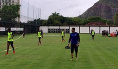BotafogoDePrimeira: Bota treina sem quatro titulares, e Jair adia defi...