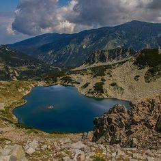 #hasajacezajace  #nofilter #mountainside  #mountains  #bulgaria  #pirin  #mountainlakes  #lake  #blue  #trip  #travel  #travelphotography  #travelmore  #landscape #summertrip  #holidays  #trekking  #hiking #nature #hike