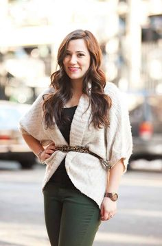 Outfit Ideas For Women With A Big Bust: Girls and women are often obsessed with the way their bust line or breasts are shaped and their size. Mode Outfits, Fall Outfits, Casual Outfits, Fashion Outfits, Fashion Tips, Fashion Ideas, Fashion Belts, Budget Fashion, Curvy Outfits