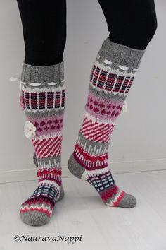 Anelmaiset, kirjoneulesukat, kirjoneule, pitkät villasukat Crochet Socks, Knitting Socks, Knit Crochet, Drawn Thread, Thick Socks, Wool Socks, Knee Socks, Christmas Knitting, Leg Warmers