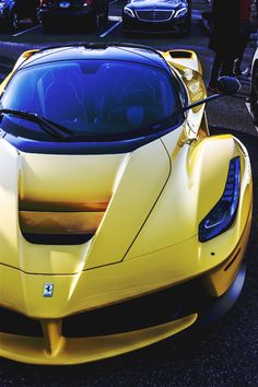 yellow Ferrari LaFerrari