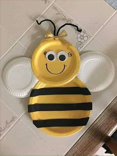Bee Crafts, Preschool Crafts, Art For Kids, Crafts For Kids, Bumble Bee Birthday, Mommy To Bee, Paper Plate Crafts, Bees, Baby Shower
