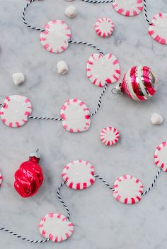 This DIY garland is made from *actual* peppermint candies! Diy Christmas Ornaments, Christmas Candy, Christmas Time, Christmas Decorations, Holiday Decorating, Christmas Ideas, Nutcracker Christmas, Holiday Ideas, Merry Christmas