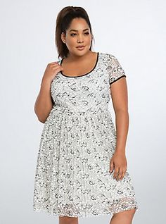 Plus Size Lace Pleated Dress, DEEP BLACK