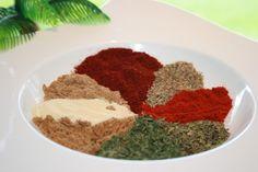 Gyros Spice Mix With A Kick Recipe - Greek.Genius Kitchen (chili and cumin seasoning) Gyro Seasoning, Greek Seasoning, Seasoning Mixes, Seasoning Recipe, Chili Seasoning, Homemade Spices, Homemade Seasonings, Shawarma, Spice Blends